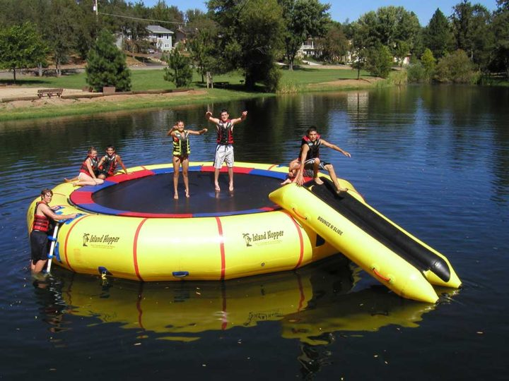 25' giant jump commercial water trampoline by island hopper
