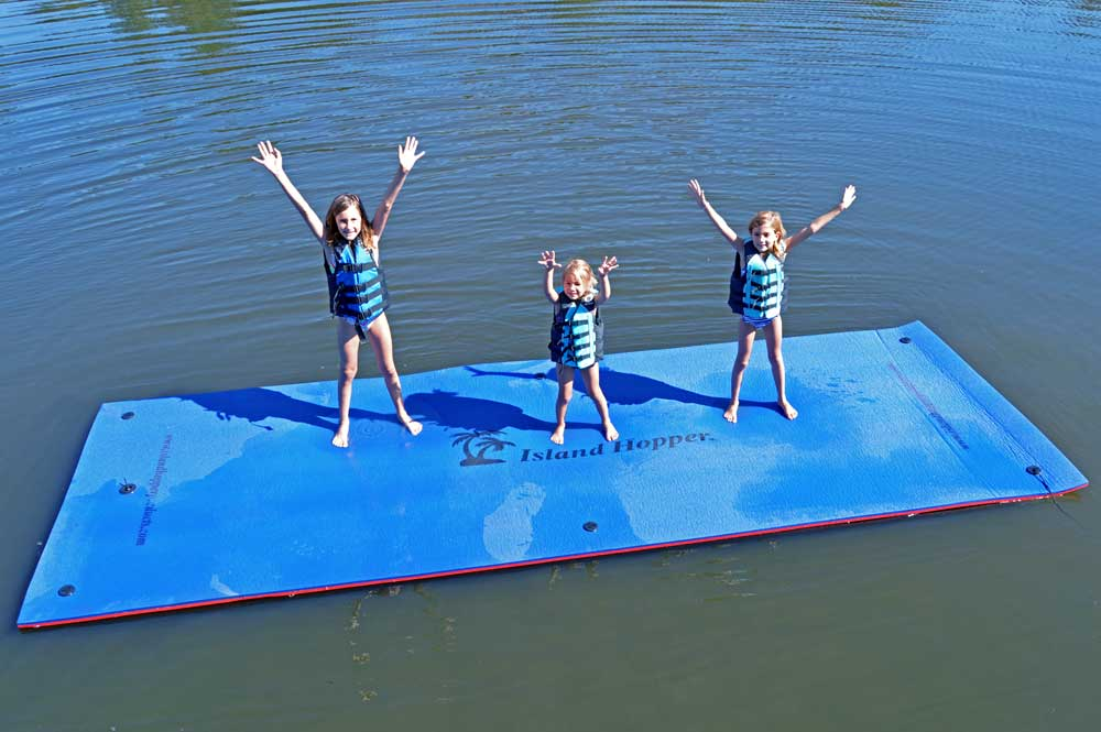 Island Hopper 15 Foot Classic Water Trampoline With Water